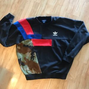 Adidas Sweatshirt with Red Blue & Camo Sz XL